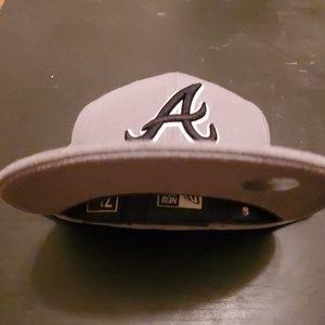 New Era Accessories - Atlanta Braves - Grey Edition